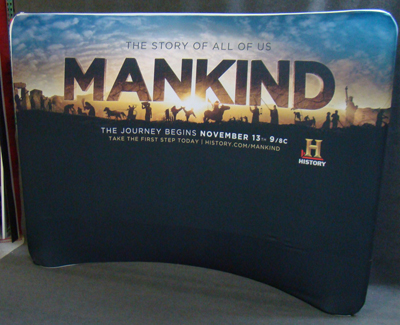 Concave Fabric Banner Stand.
